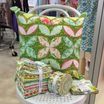 Garden Grows PIllow -Modern Quilts Unlimited Spring 2015